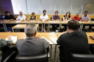 Sindicato dos banc rios de catanduva em mesa tem tica movimento sindical e fenaban discutem for Oficina 5770 banco santander